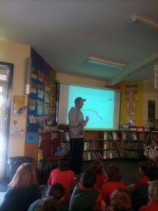 20130513_01_matt-speaking-at-bannockburn-primary